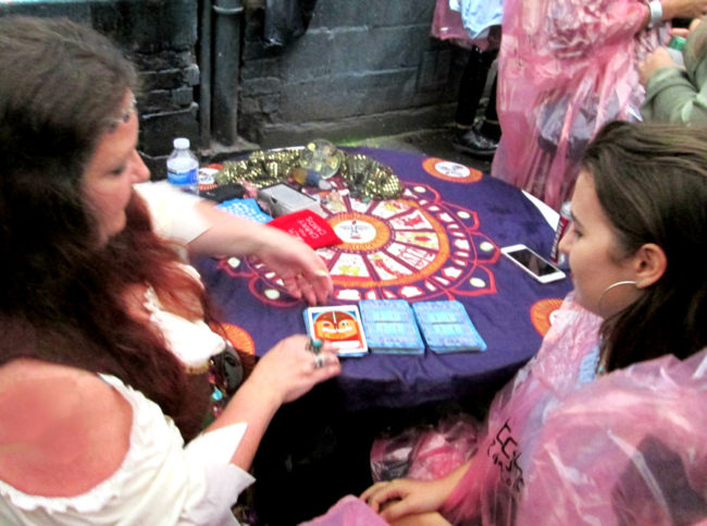 Dee Vynar tarot reader for hire manchster spiritualevens.co.uk
