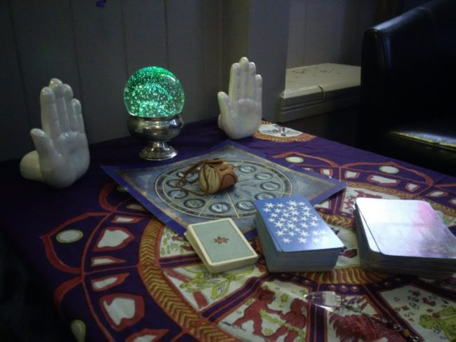 Palm reading palm reader for hire spiritualevents.co.uk