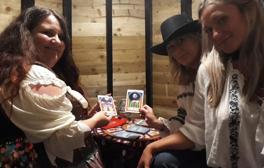 Dee Vynar tarot reader for hire UK england university ball spiritualevens.co.uk