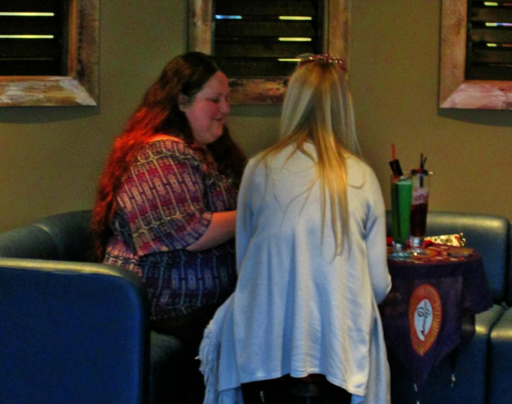 psychic Dee nottingham tarot reader