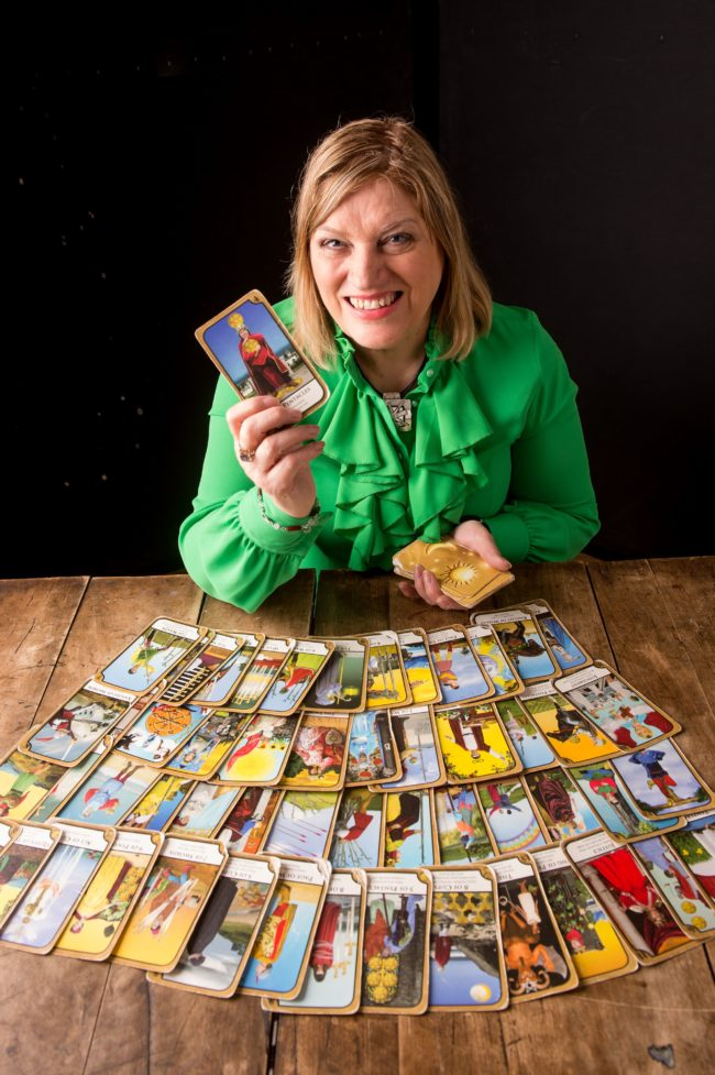 tarot reader for wedding hire a psychic spiritualevents.co.uk
