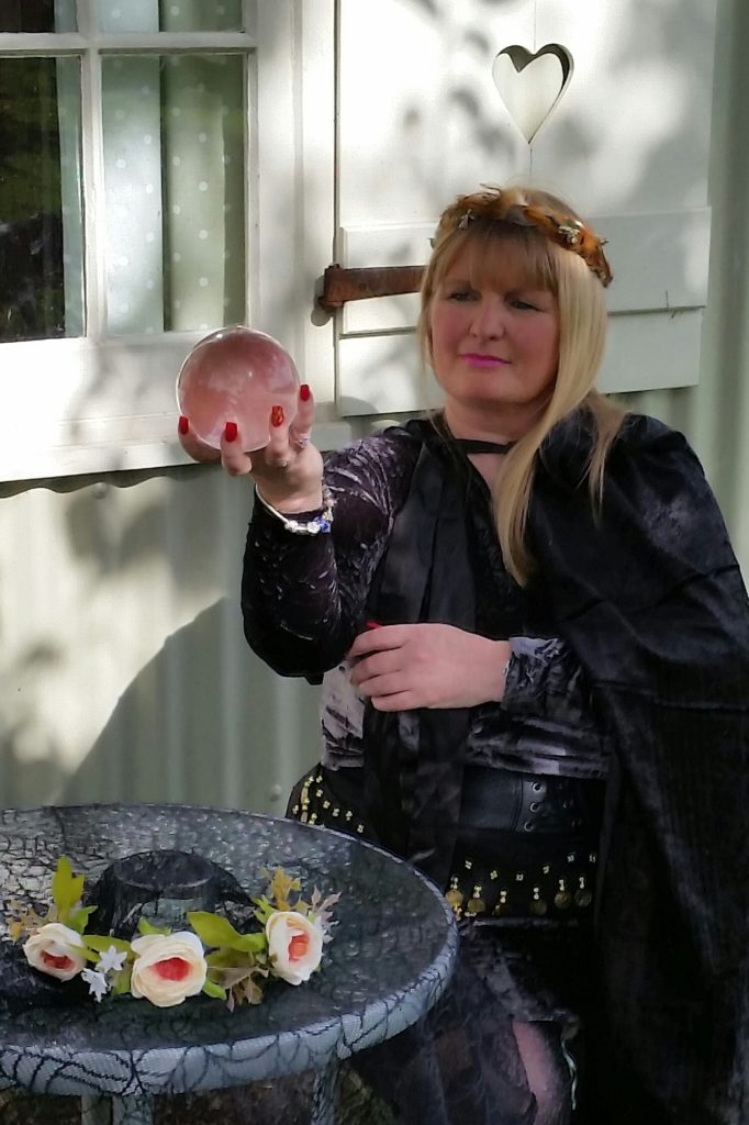 spiritualevents.co.uk crystal ball reader for hire UK