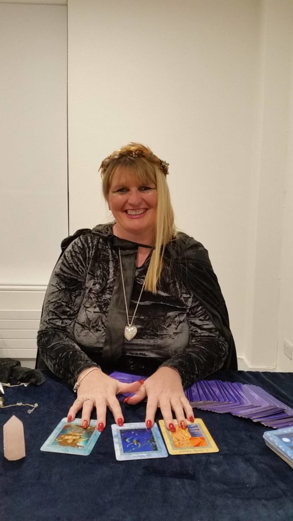 Natasha-rose spiritualevents.co.uk crstal ball psychic medium shows and party event uk
