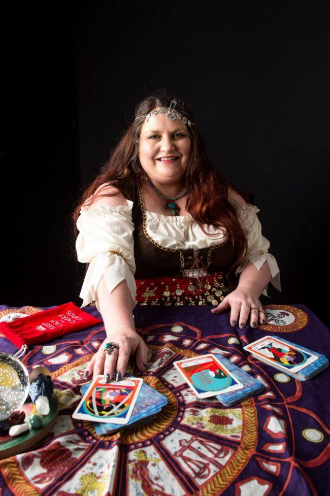 Psychic for hire Dee V spiritualevents.co.uk tarot reader runes reader psychic reader for hire england scotland wales birmingham