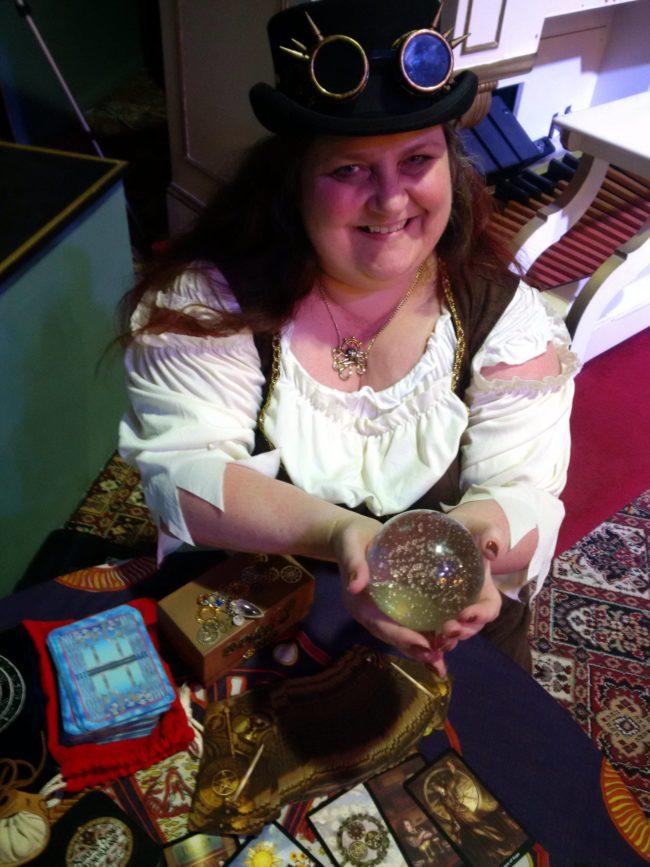 Dee Vyanr spiritualevents.co.uk tarot reader for hire Birmingham