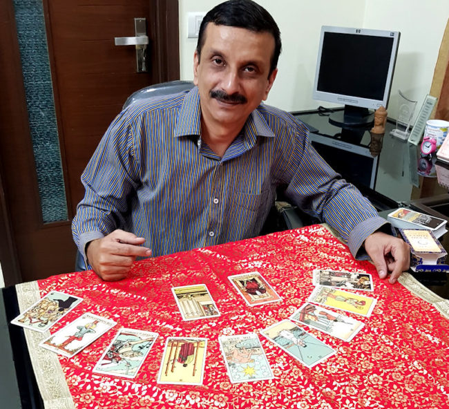 Psychic Tarot Astrologer Expert mr m online psychic spiritualevents.co.uk