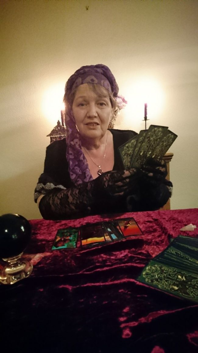 Jade Redfern www.spiritualevents,co.uk blackpool liverpool wigan manchester tarot psychic reader for hire