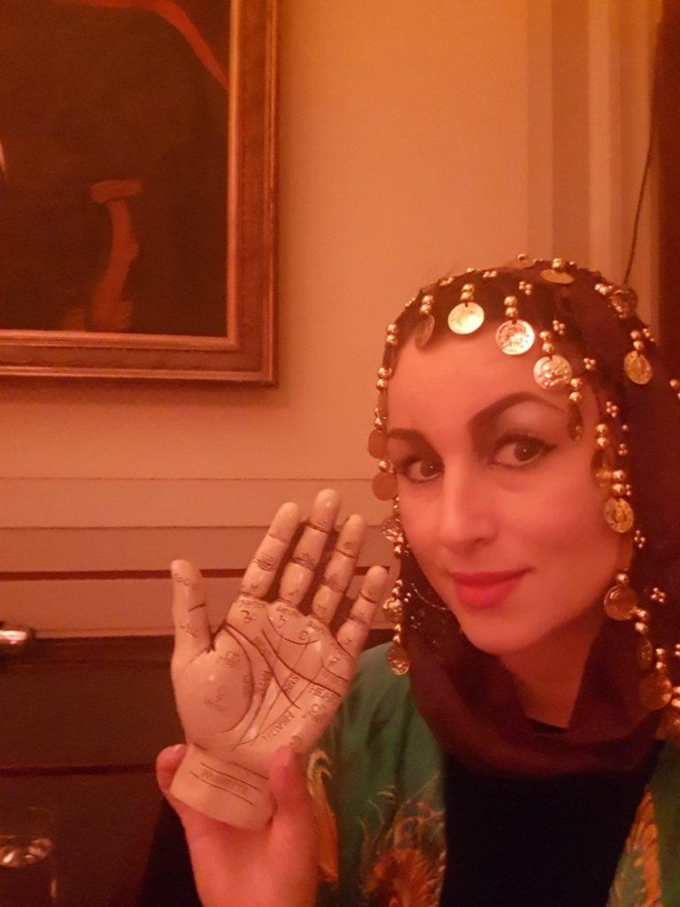 mystic maria london psychic tarot palm reader spiritualevents.co.uk