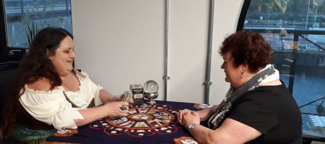dee vynar psychic reader manchester tarot