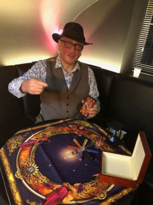 Steve Mavenista Tarot & Oracle Reader