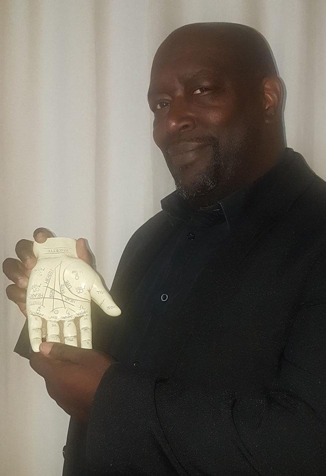 Orisis palm reader london essex kent camden spiritualevents.co.uk