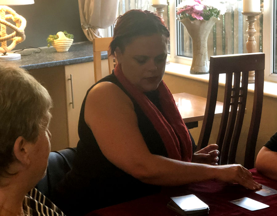 Psychic Milton Keynes lady kay tarot psychic reader wales cardiff for hire spiritualevents.co.uk
