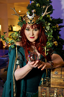 fortuna tarot reader for hire london spiritualevents.co.uk psychic crystal ball