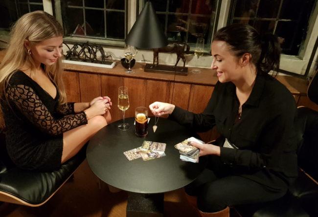 Luna London tarot reader for hire