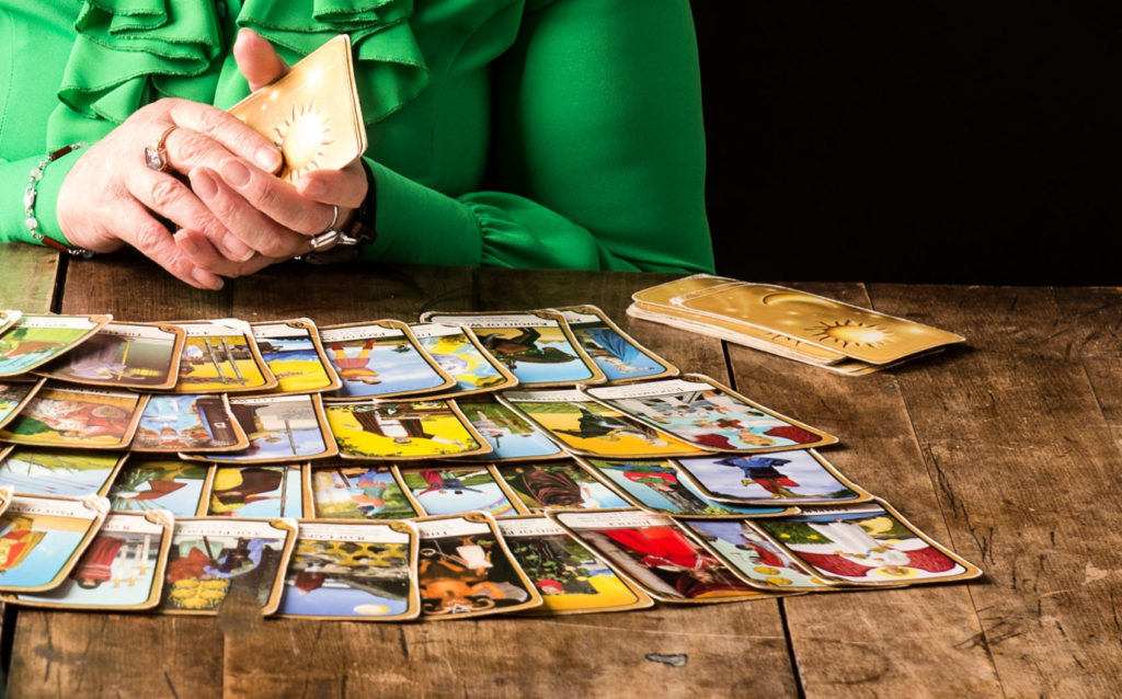 last-minute-tarot-psychic-for hire
