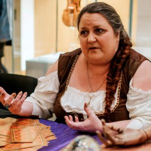 Dee Vynar tarot reader for hire midlands nottingham b'ham derby coventry spiritualevents.co.uk