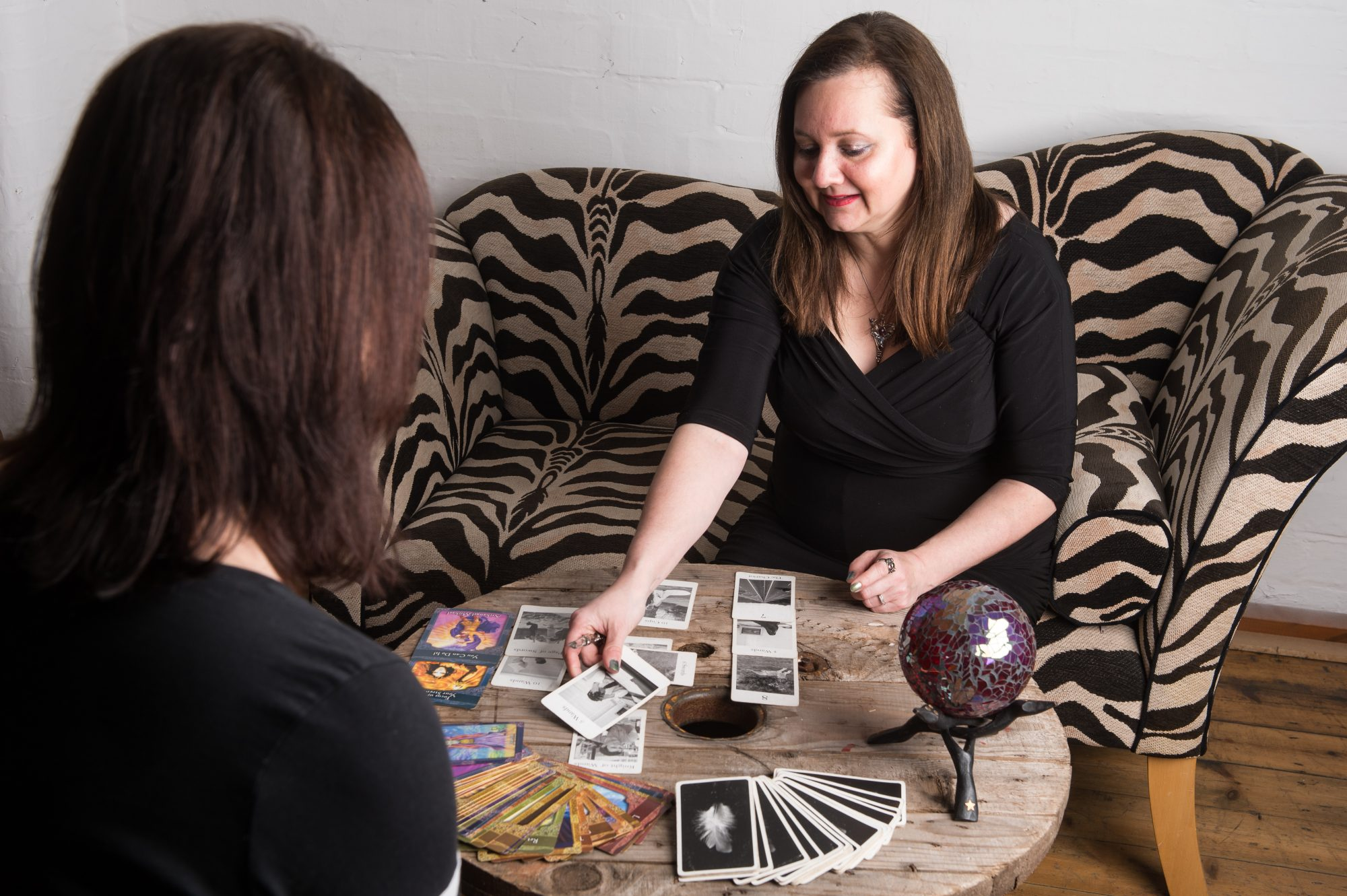 Phoenix – psychic, clairvoyant, tarot and oracle card readings.