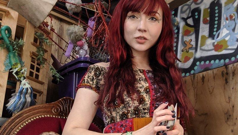 Pixie Wilde tarot reader
